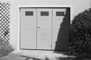 Porte De Garage Avec Portillon : pose d 39 une porte de garage basculante avec portillon et ~ Melissatoandfro.com Idées de Décoration