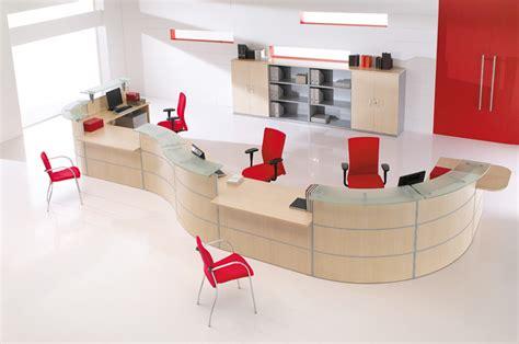 mobilier professionnel plutôt que du mobilier grand