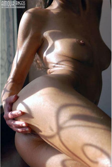 Nude Honey on Windowsill - Hot Girls Board