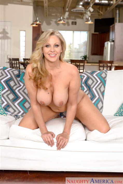 busty blonde mom seduced her young neighbor photos julia ann milf fox