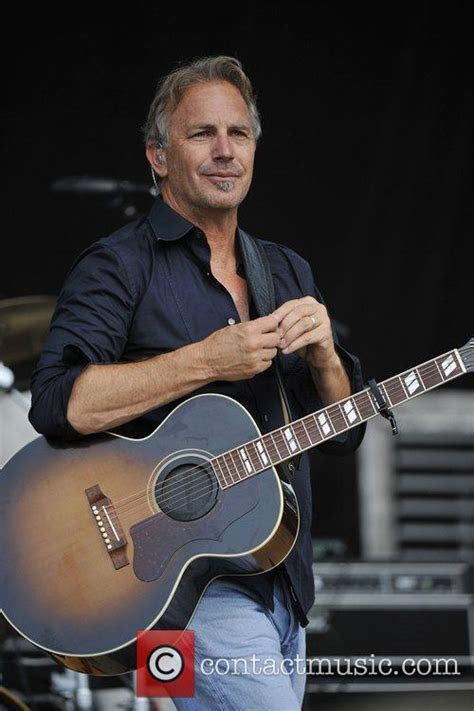kevin costner kevin costner modern west perform at country thunder in lakes 13