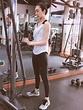 胡定欣晒活力健身照 肤白腿长穿背心大秀好身材|胡定欣|健身_新浪娱乐_新浪网