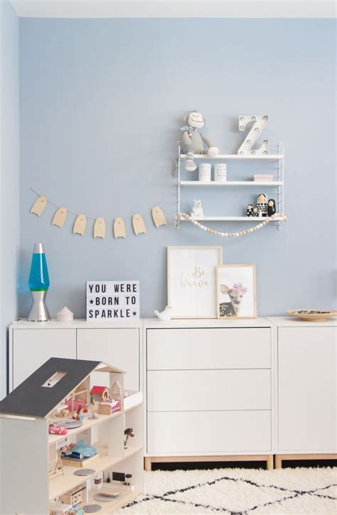 Kinderzimmer Junge Hellblau by Ein Blick Ins Kinderzimmer Und Es Ist Blau Wandfarbe