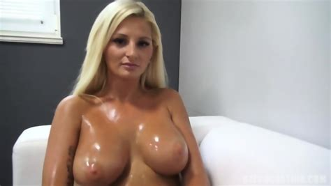 Amateur With Oiled Titties Eporner