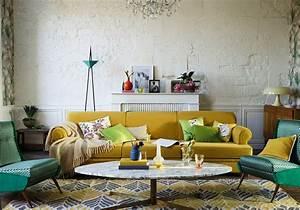 Deco Mural Salon : un salon jaune pour un int rieur clatant elle d coration ~ Teatrodelosmanantiales.com Idées de Décoration
