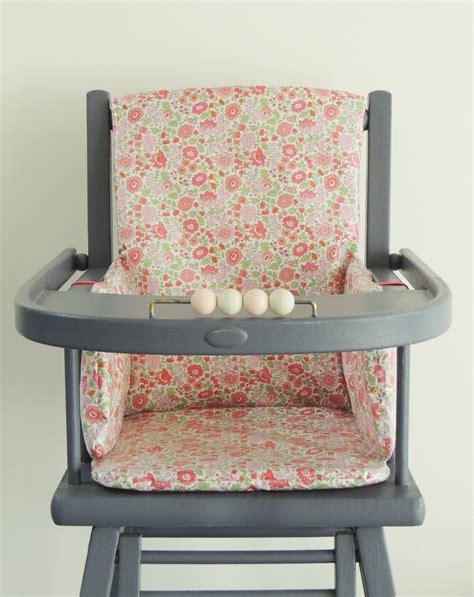 siege pour chaise haute en bois coussin reducteur chaise haute 28 images coussin