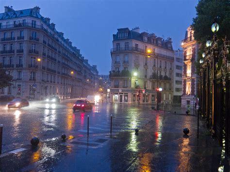 paris   pouring rain torrential pouring rain