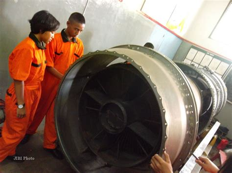 Harga Aborsi Jogja Bongkar Mesin Boeing 737 Seri 200 Feature Harian Jogja