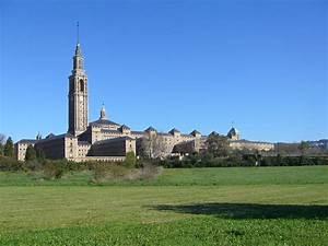 Universidad Laboral de Gijón - Wikipedia