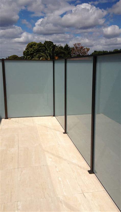 privacy screens balcony screens frameless impressions