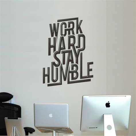stickers pour bureau 8 idées design pour décorer les murs de vos bureaux