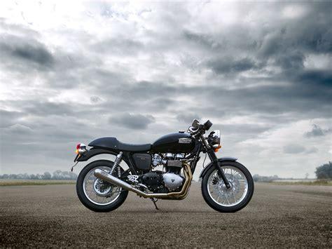 Triumph Backgrounds by 2012 Triumph Thruxton R Wallpaper 2000x1500 98770