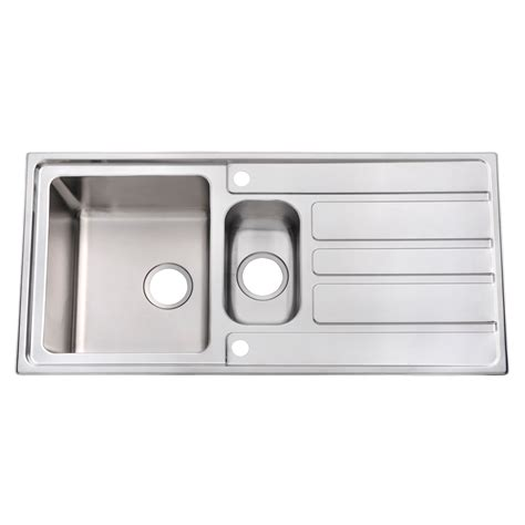 cooke and lewis kitchen sinks cooke lewis lunda 1 5 bowl satin stainless steel sink 8328