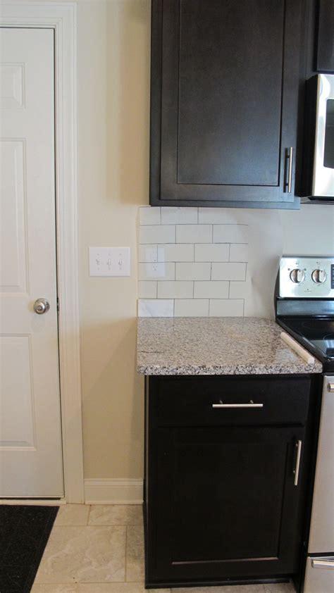 where to end kitchen backsplash tile kitchen backsplash complete hale brock interiors 2028