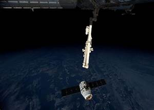 Dragon Hatch is Open! First 3D Printer in Space Has Just ...