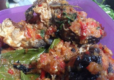 However, other kind of meat such as beef, chicken or seafood might be used as well. Resep Bumbu Ikan P Sambal Kemangi - Resep Rahasia Ikan ...