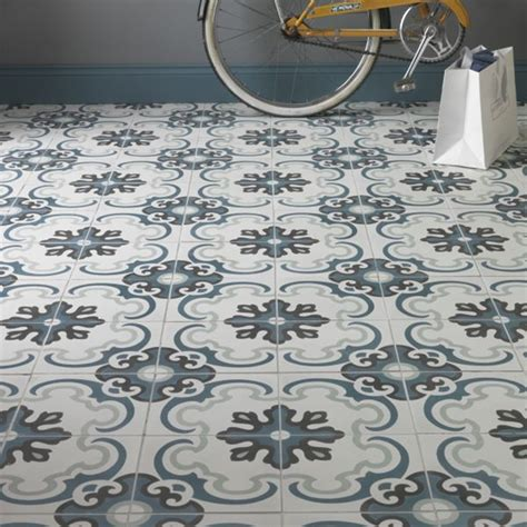 capietra cement encaustic toulon pattern tile walls