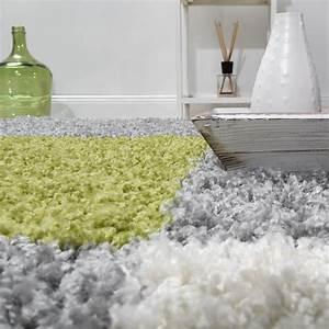 Teppich Grün Grau : teppich shaggy karo zottel gr n grau creme hochflor teppiche ~ Markanthonyermac.com Haus und Dekorationen