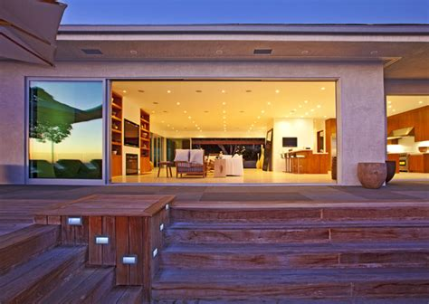 waterfront vacation home plans oceanfront luxury home  sale  malibu modern house designs