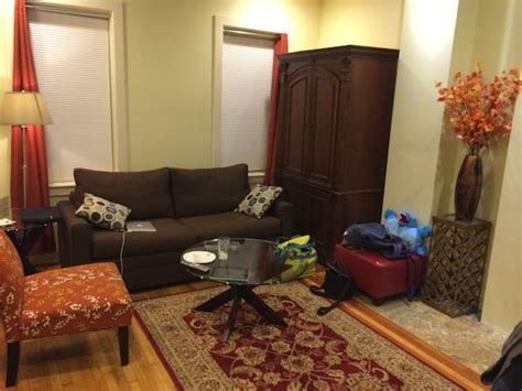 The Living Room Boston Parking by 8 Great Airbnb Advantages Hotels Mccool Travel