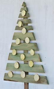 Weihnachtsbaum Selber Basteln : diy weihnachtsbaum aus paletten schafft fr hliche stimmung ~ Lizthompson.info Haus und Dekorationen