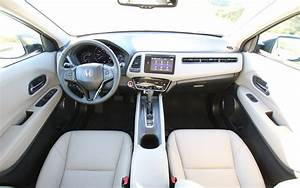 Comparison - Honda Vezel Hybrid Z 2016 - Vs
