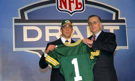 mike mayock predicted packers  draft aaron rodgers
