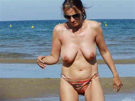 Mature Sex Hairy Pussy At The Beach