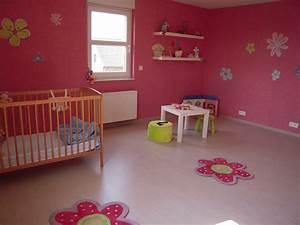 Chambre Fille 4 Ans : deco chambre fille 4 ans 3 chambre fille photo 11 voici ~ Teatrodelosmanantiales.com Idées de Décoration