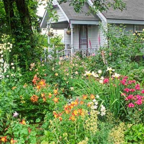Best Plants For Cottage Garden Gardens Picket Fences