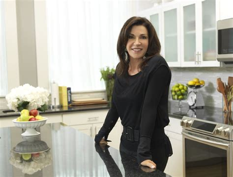 hgtv it or list it love it or list it star hilary farr on her way to mpls to share design tips startribune com