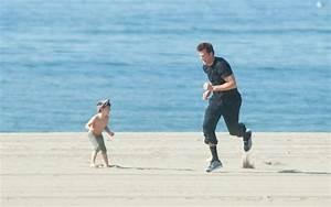 Tom Brady and his son doing football drills - Patriots Gab