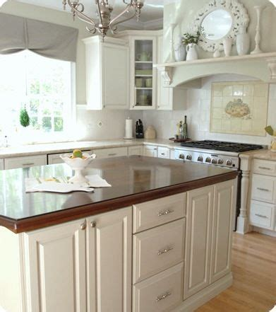 how to tile a backsplash in the kitchen 1000 ideas about painted kitchen cabinets on 9837