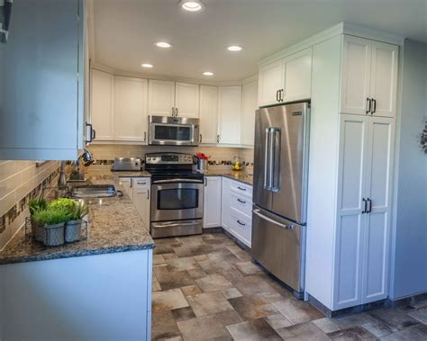 Buy white cabinets and get the best deals at the lowest prices on ebay! 4- Kitchen: Small, White Shaker Cabinets with Black Handles, Stainless Steel Appliances, B ...
