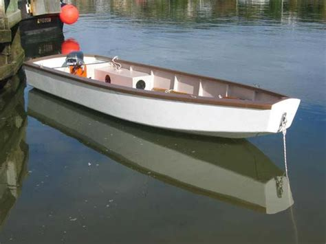 Dory Flat Bottom Boat by Flat Bottom Skiff And Blunt Bow