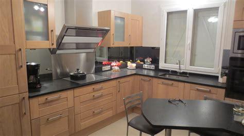 cuisine chene clair plan travail noir cuisine chene clair plan travail noir cuisine bois