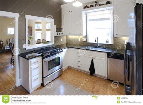 cuisine simple 67 cuisine moderne image stock image du tuiles propre 18973135