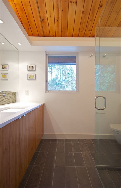 curbless shower   IN SITU