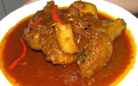 Resep ini memiliki kuah yang cenderung lebih kental dan kaya rempah. Resep Semur Ayam Kentang Pedas Manis - Thegorbalsla