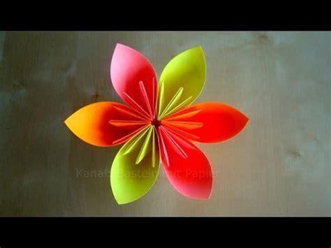 basteln mit papier blumen origami blume basteln mit papier diy bastelideen geschenke basteln