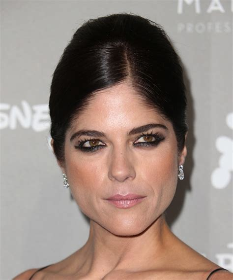 Selma Blair Hairstyles for 2018   Celebrity Hairstyles by
