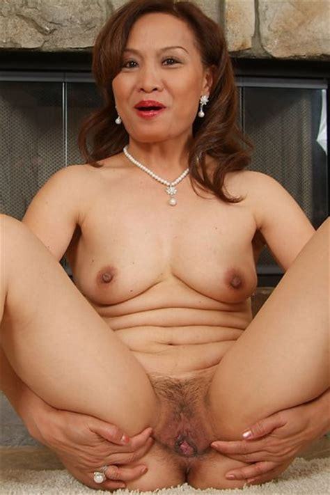 Hot Older Women 44 Year Old Maya From Indonesia In High Quality Mature And