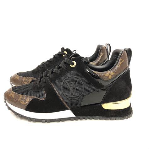 louis vuitton monogram run  sneakers garderobe