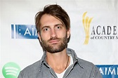 """Ryan Hurd Has It Down """"To a T"""" With New Track"""