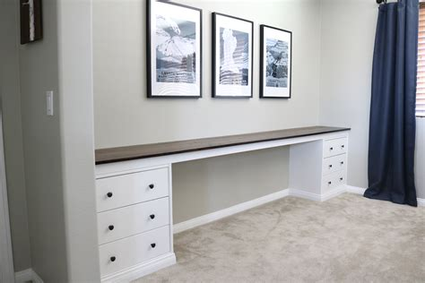 wall  wall built  desk part   reveal timber crow