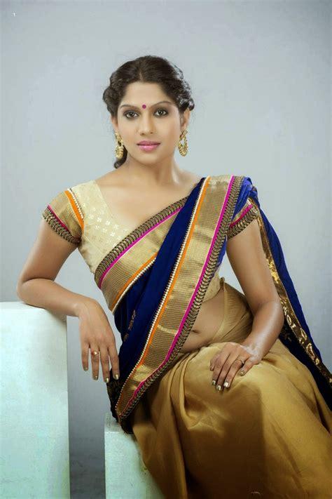 Swasika Vijay Sexy Navel And Cleavage Show In Saree Imgart360