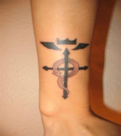 tatouage poignet femme tatouage poignet femme croix mod 232 les et exemples