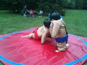 Little kids in sumo suits - YouTube