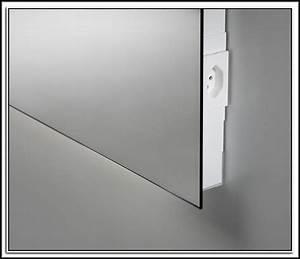 Badspiegel Mit Steckdose : badspiegel mit steckdose und beleuchtung download page beste wohnideen galerie ~ Orissabook.com Haus und Dekorationen