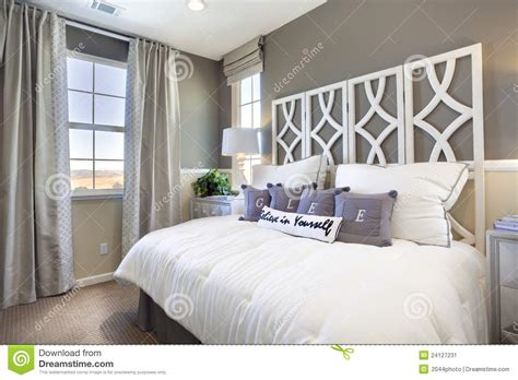 deco chambre blanc et taupe model home bedroom taupe white stock image image